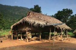 Thaïlande : les etnies montagnardes leskhamun htin, lawa et mlabri
